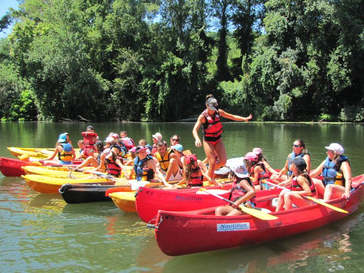 Encadrement groupes scolaires en canoë